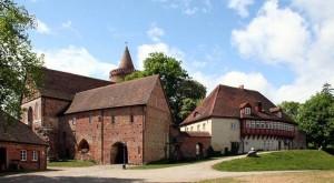 Titel: Burg Stargard Altes Tor und Münzprägerei  Foto: Maria Krüger Original-Datei: Burg Stargard Altes Tor und Münzprägerei Lizenz: creativecommons.org/licenses/by-sa/3.0/deed.de (Quelle: Wikipedia)