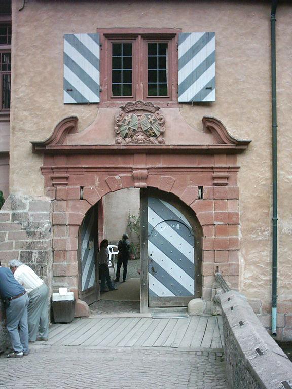 Schloss Mespelbrunn im Spessart, Westflügel