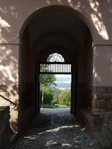 Leuchtenburg - Eingang (Quelle: Wikipedia)