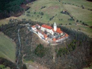 Leuchtenburg - Luftaufnahme (Quelle: Wikipedia)