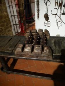 Streckbank mit Gespicktem Hase im Museo de Tortura in Volterra / Italien Foto: Landrichterin