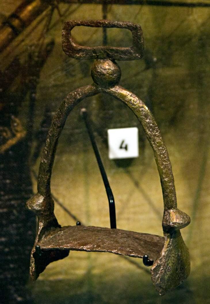 Steigbügel aus dem 10 Jahrhundert gefunden in der Themse