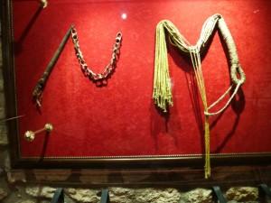 verschiedene Peitschen  Foto: Landrichterin mit freundlicher Genehmigung des Museo de Tortura in Volterra / Italien