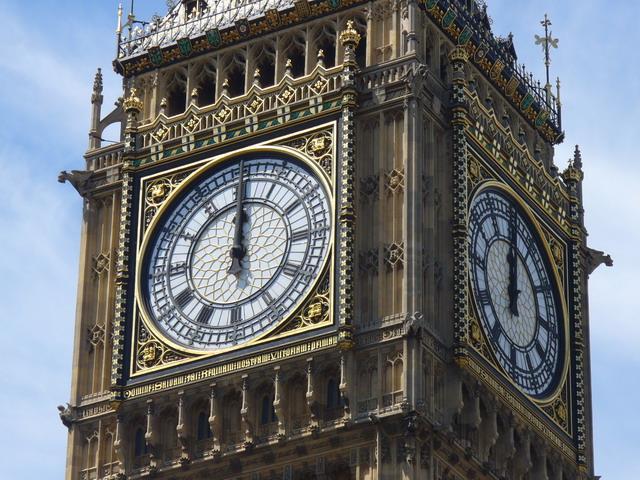 """Turmuhr  am Uhrturm (Elizabeth Tower) des Palace of Westminster in London (fälschlich """"Big Ben"""" genannt)  Quelle: Wikipedia"""