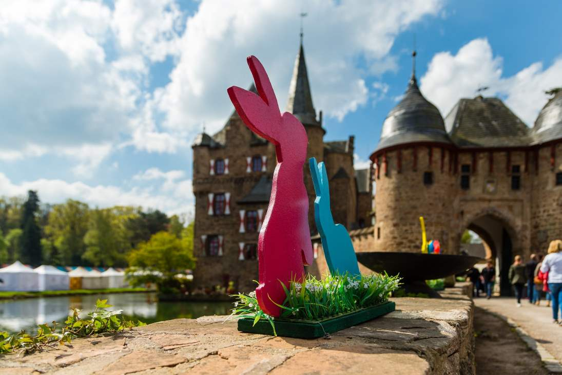 Burg Satzvey: Ostermarkt für die ganze Familie in Mechernich – 2015